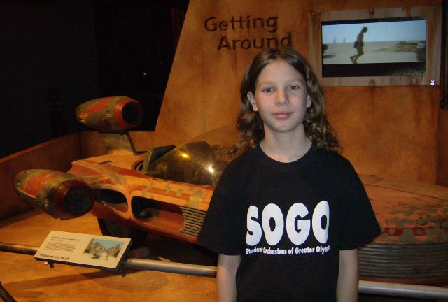 G next to Luke's landspeeder